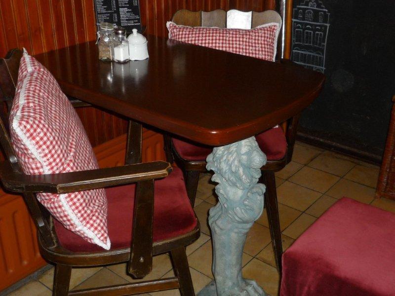 Hotel hanzestadslogement 39 de leeuw 39 in deventer hotel deventer met bed and breakfast uitstraling - Tafel leeuw ...