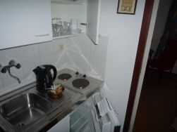 21. kitchenette